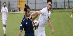 Gölcükspor'u eski golcüsü yıktı