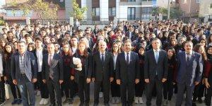 FSM Lisesi'nde Bayrak Töreni