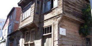 Gebze'nin ahşap evleri yok edildi