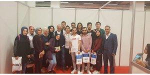 DARICA BELEDİYESİ: Gençleri kitap fuarına götürdü