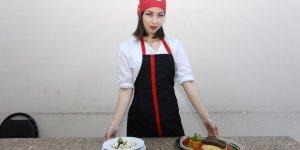 Yabancı gelin Türk yemekleri öğrendi