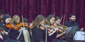 Oda orkestrasında konser hazırlığı