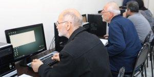 50 yaş üstü vatandaşlara bilgisayar eğitimi