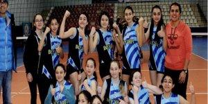 Yıldız kızlar voleybolda final heyecanı