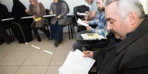 Osmanlı Türkçesi öğreniyorlar