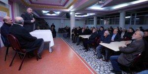 Cami cemaatiyle buluştu