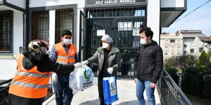 Emniyete ve sağlıkçılara maske