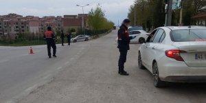 Jandarma'dan uygulama; 3 kişi yakalandı
