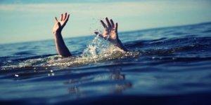 Denize giren biri çocuk 2 kişi boğuldu