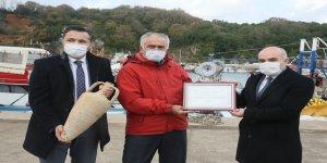 Ağlara takılan amforalar artık  balıkçıların elinde güvende
