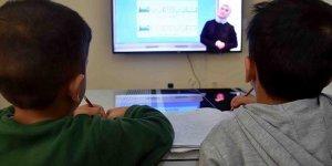 Öğretmene hediye bütçesini çocukların internetine aktarın