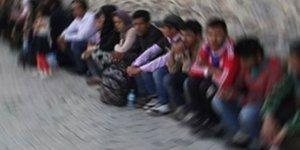 Afganistanlı göçmenler yakalandı