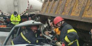 Tanker kamyona çarptı, faciadan dönüldü!