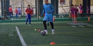Altınordu Gebze Futbol Okulu  Sahaya İndi
