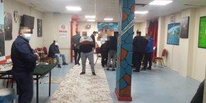 Dernek'te kumar oynayan  17 kişiye para cezası!