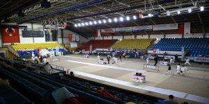 10,12 ve 14 Yaş Altı Eskrim Türkiye Şampiyonası sürüyor