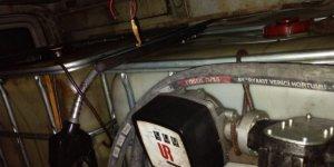 Minibüsten 900 litre kaçak akaryakıt çıktı: 2 gözaltı