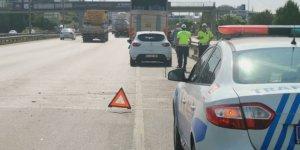 Kamyonla çarpışan otomobilin sürücüsü yaralandı