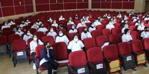 Farabi'de stajyer öğrencilerini bilgilendirildi