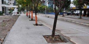 Bulvarın baskı beton kaldırımları yapıldı