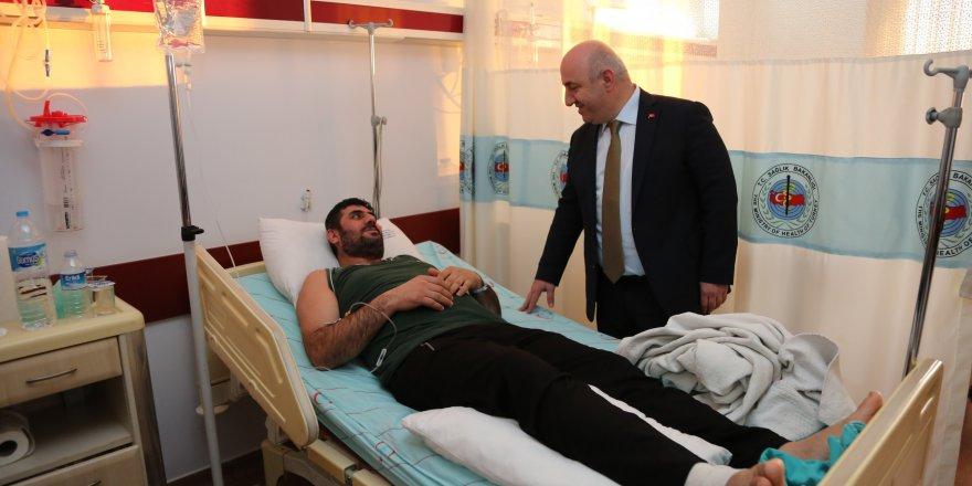 biyik,-farabi'de-hastalari-ziyaret-etti-(2).jpg