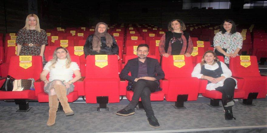 cayiirova-kent-konseyi-tiyatro-16.jpg