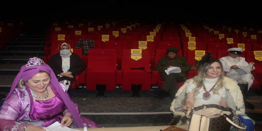 cayiirova-kent-konseyi-tiyatro-36.jpg