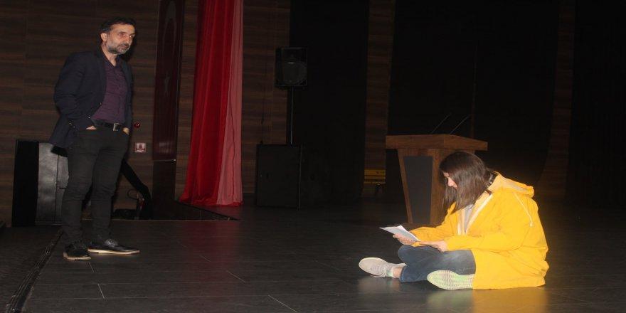 cayiirova-kent-konseyi-tiyatro-37.jpg