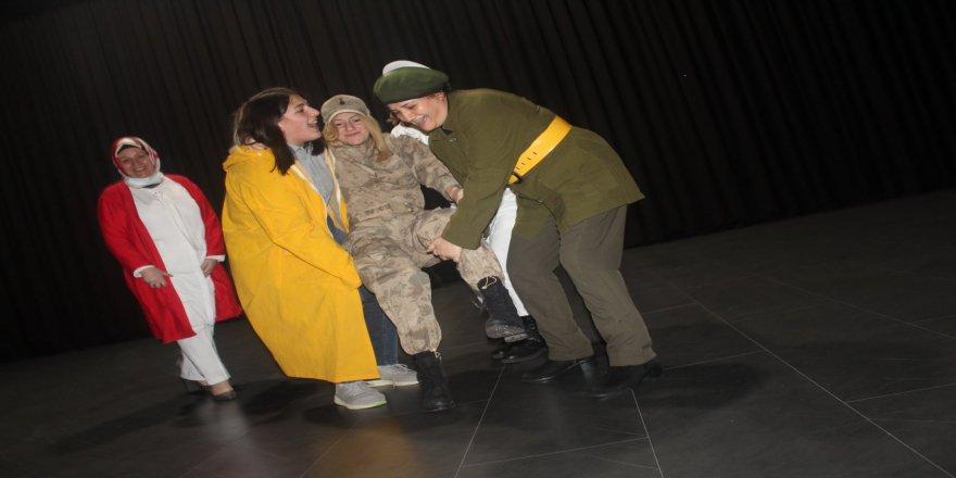 cayiirova-kent-konseyi-tiyatro-43.jpg