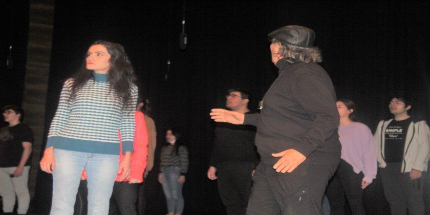cayirova-genc-tiyatro-19.jpg