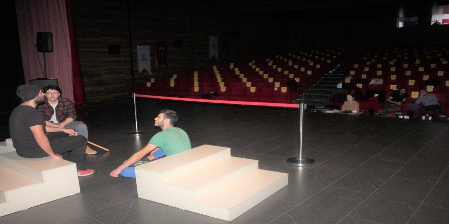 cayirova-genc-tiyatro-8.jpg