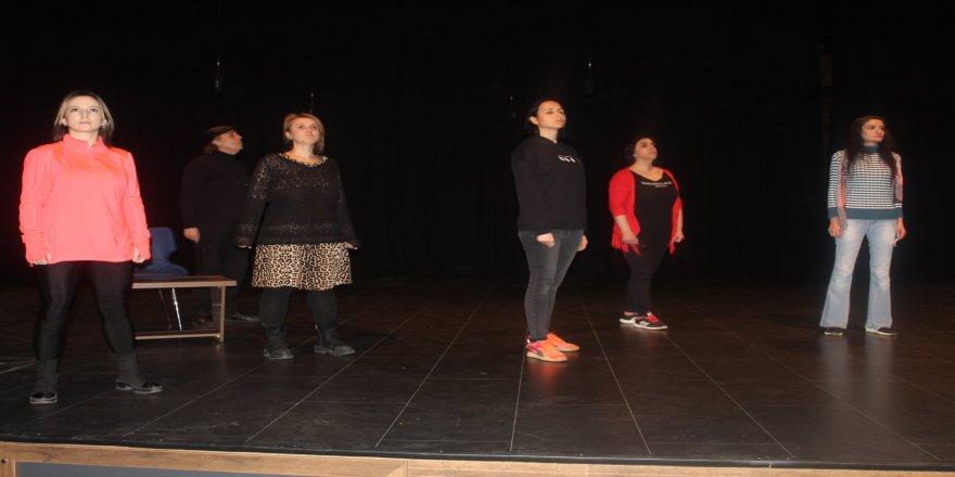 cayirova-genclik-tiyatrozsu-38.jpg