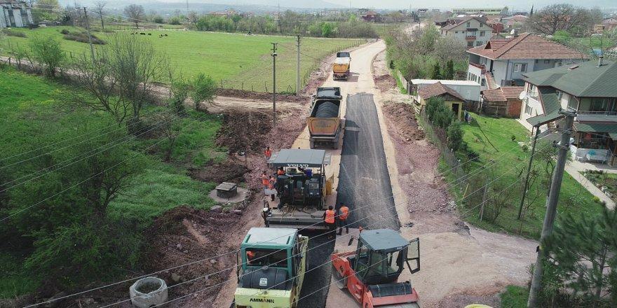 kartepe-bagdat-caddesinde-asfalt-serimine-baslandi-(3).jpg