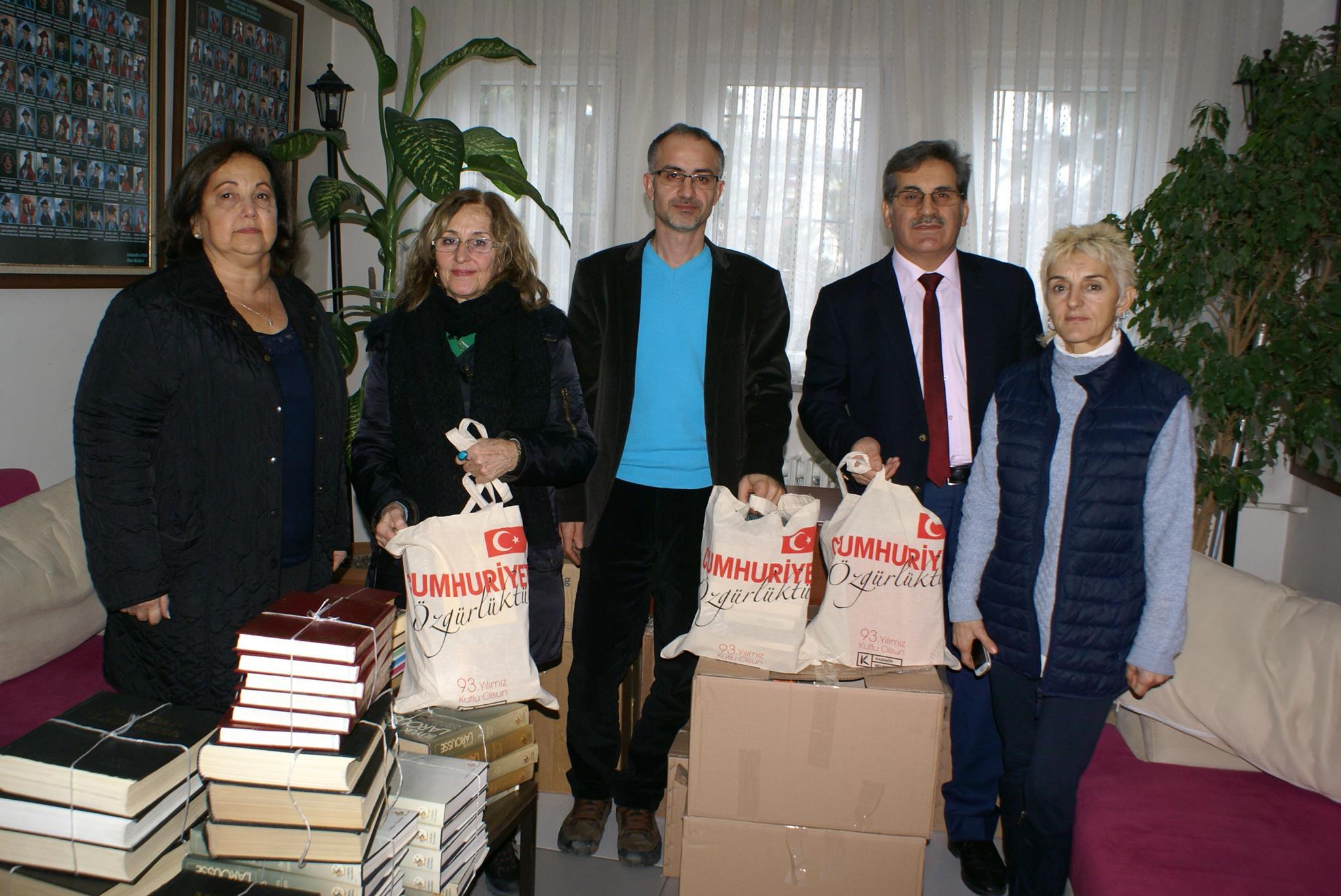 Kadıköy'den Gebze'ye kitap desteği