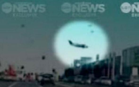 Avm'ye Uçak Düştü