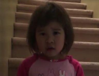Dünya Barışını İsteyen Minik Kız