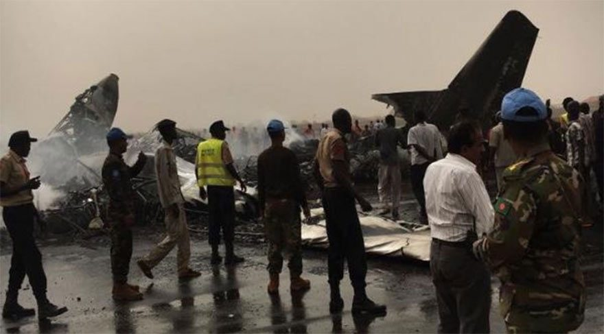 Sudan'da Yolcu Uçağı Düştü